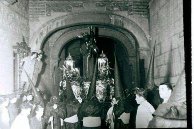 Imagen de la primera salida en Madrid del Jesús del Gran Poder en los años 40. Foto de su hermandad